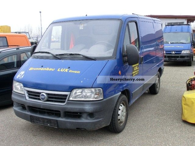 fiat ducato 2 8 jtd 2004 box type delivery van photo and specs. Black Bedroom Furniture Sets. Home Design Ideas