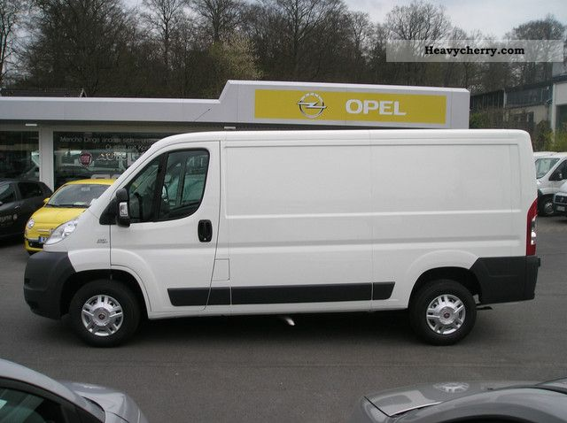 Box-type delivery van - long, Van or truck up to 7 5t