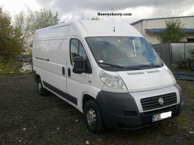 2007 Fiat  Bravo Van or truck up to 7.5t Box-type delivery van - long photo