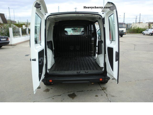 fiat doblo cargo 2008 box type delivery van photo and specs. Black Bedroom Furniture Sets. Home Design Ideas