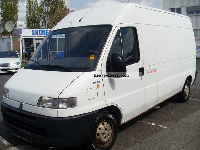 fiat ducato 2 8 jtd truck geschl kasten 3 2001 box type delivery van high photo and specs. Black Bedroom Furniture Sets. Home Design Ideas