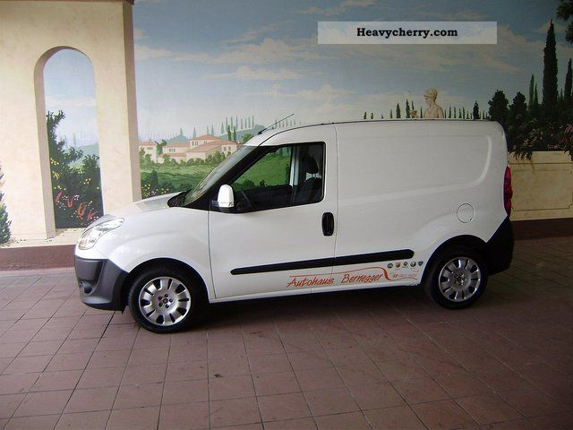 fiat doblo cargo 1 6 multijet sx 2010 box type delivery van photo and specs. Black Bedroom Furniture Sets. Home Design Ideas