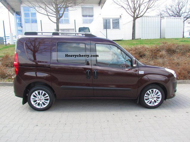 fiat doblo combi sx 1 6 multijet with automatic climate control 2010 estate minibus up to 9. Black Bedroom Furniture Sets. Home Design Ideas
