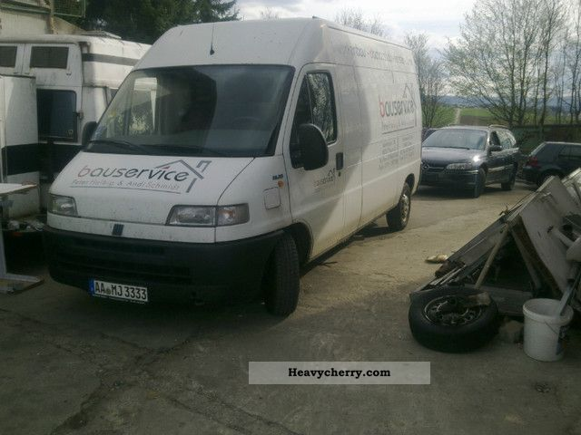2001 Fiat  Bravo Van or truck up to 7.5t Box-type delivery van - high and long photo