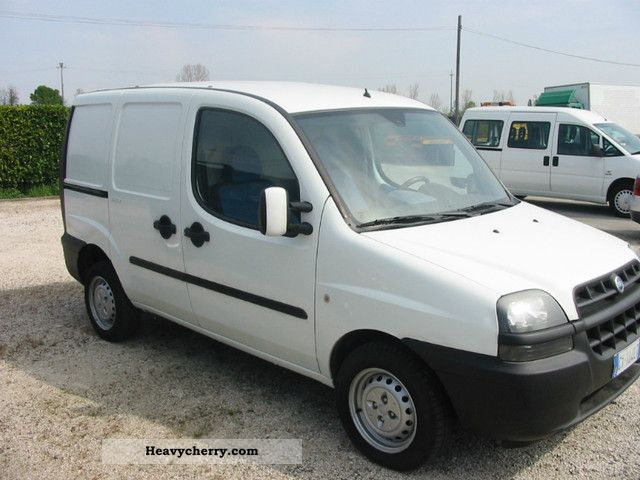 fiat doblo 39 cargo 1 9 jtd 2005 box truck photo and specs. Black Bedroom Furniture Sets. Home Design Ideas