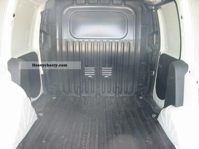 Fiat Doblo Cargo 19 Jtd 2005 Box Truck Photo And Specs