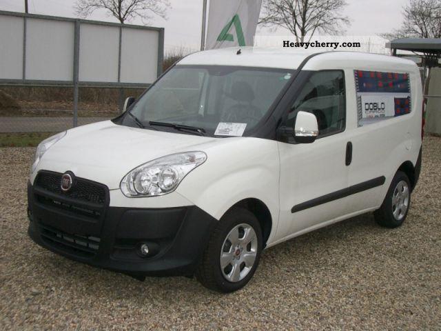 2011 Fiat  Combi Doblo Cargo SX 1.6 MJ / F 3152 Van or truck up to 7.5t Estate - minibus up to 9 seats photo