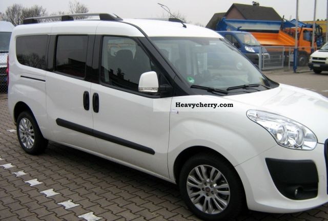 2011 Fiat  Com Doblo SX 1.6 MTA-matic A / F 3226 Van or truck up to 7.5t Estate - minibus up to 9 seats photo