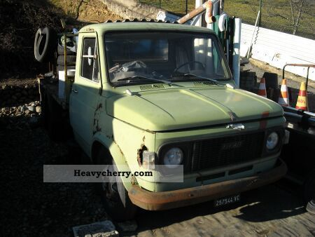 1975 Fiat  616 N3 / 4 Van or truck up to 7.5t Stake body photo
