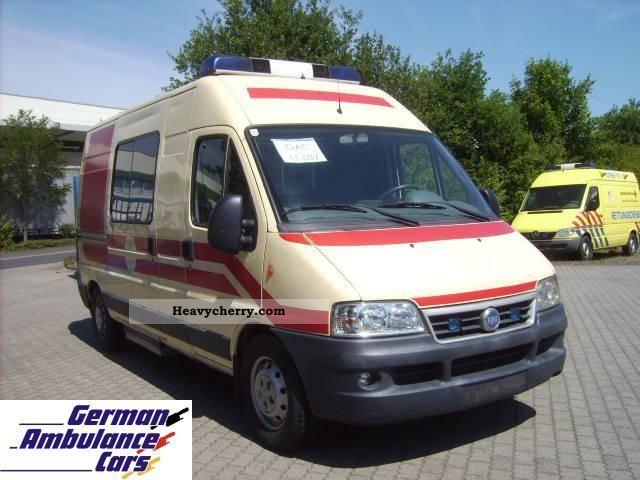 2003 Fiat  2.8 JTD Ducato ambulance wheel Van or truck up to 7.5t Ambulance photo