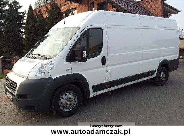 2011 Fiat  Bravo Van or truck up to 7.5t Box-type delivery van - high and long photo