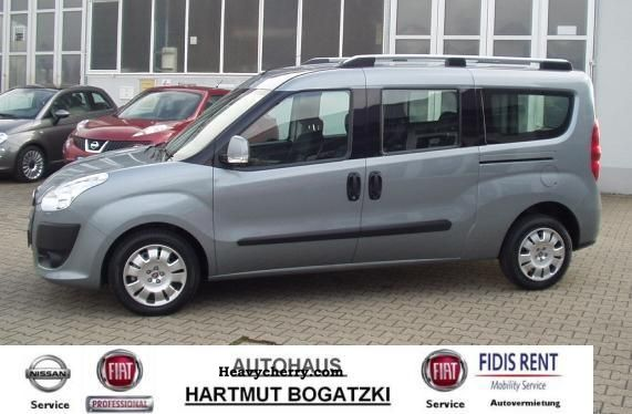 2012 Fiat  Doblo Cargo Wagon (5 Seater) 2.0 SX Maxi-emergency Van or truck up to 7.5t Estate - minibus up to 9 seats photo