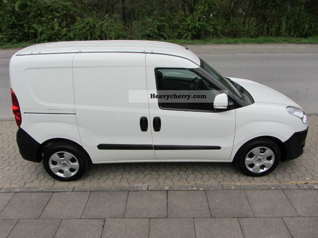fiat doblo cargo 1 6 multijet sx van 2012 box type delivery van photo and specs. Black Bedroom Furniture Sets. Home Design Ideas