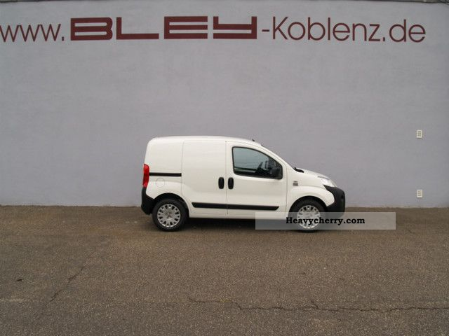 2012 Fiat  Fiorino van SX 1.3 MultiJet Van or truck up to 7.5t Box-type delivery van photo