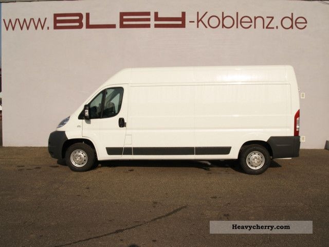 2011 Fiat  GroßraumkastenwagenL4H2 Ducato 130 Multijet Van or truck up to 7.5t Box-type delivery van - high and long photo