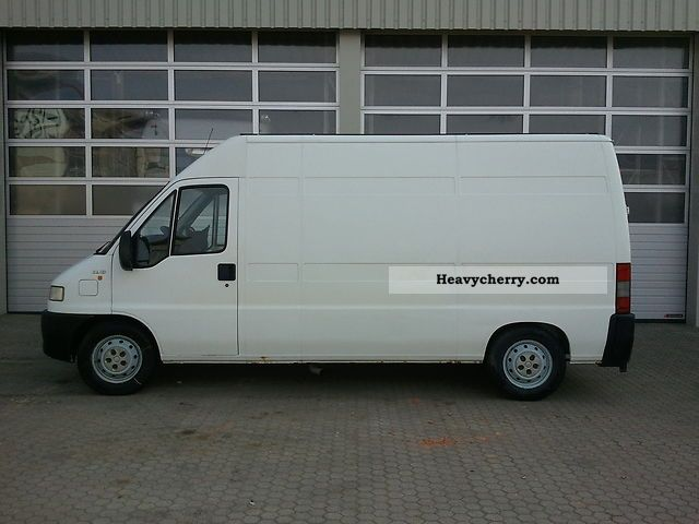 2000 Fiat  Bravo Van or truck up to 7.5t Box-type delivery van - high and long photo
