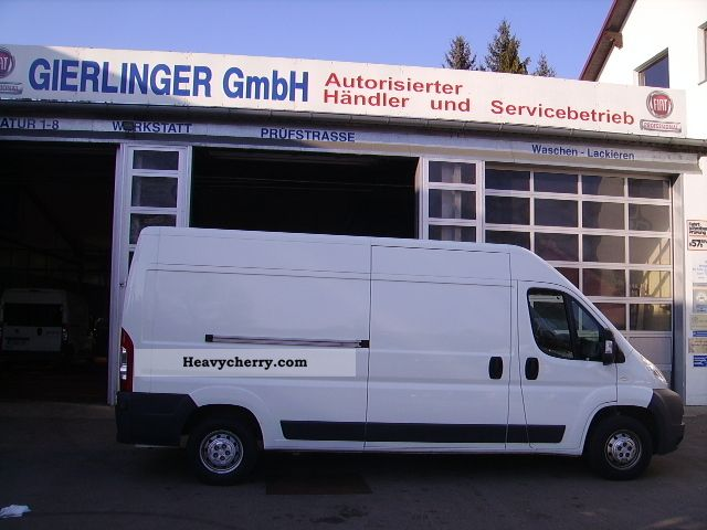 2010 Fiat  Bravo Van or truck up to 7.5t Box-type delivery van - high and long photo