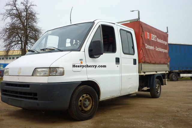 1995 Fiat  Bravo Van or truck up to 7.5t Stake body and tarpaulin photo