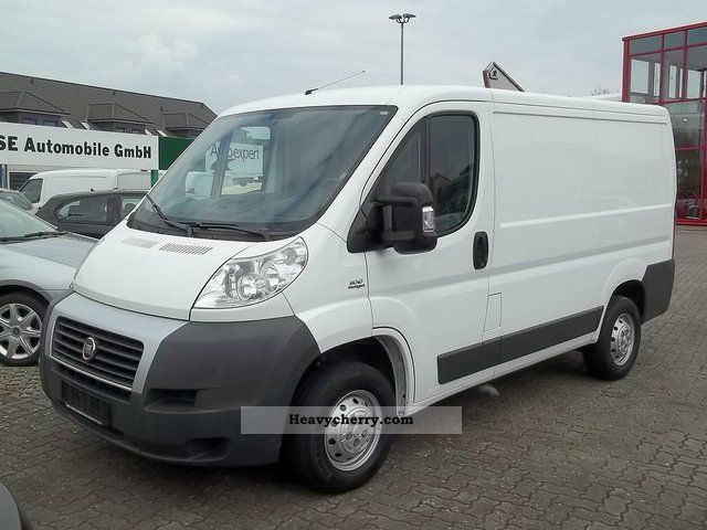fiat ducato 2 2 van 30 l1h1 2009 box type delivery van photo and specs. Black Bedroom Furniture Sets. Home Design Ideas