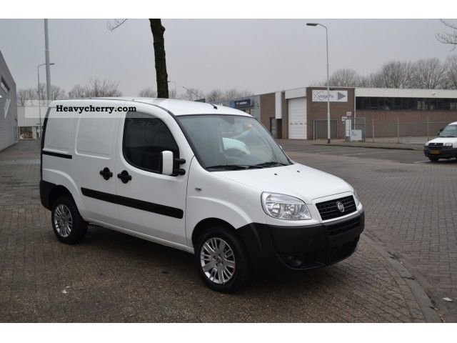 fiat doblo cargo 1 3 jtd 55kw air sliding door 4950 2009 box type delivery van photo and specs. Black Bedroom Furniture Sets. Home Design Ideas