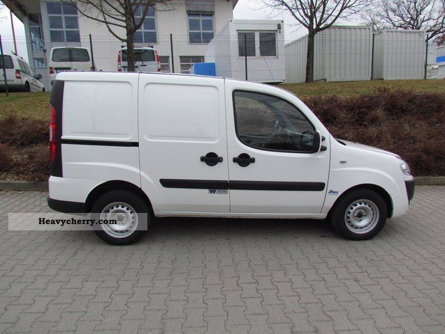 fiat doblo cargo 1 9 multijet with winter expansion 2008 refrigerator box truck photo and specs. Black Bedroom Furniture Sets. Home Design Ideas