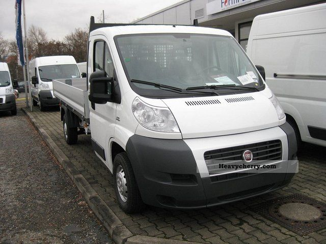 fiat flatbed ducato multijet 35 130 l4 2011 stake body truck photo and specs. Black Bedroom Furniture Sets. Home Design Ideas