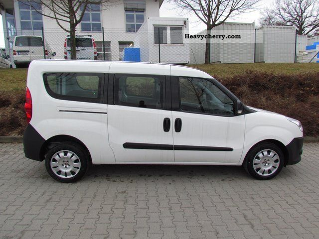 fiat doblo combi maxi 6 1 multijet 39 39 truck 39 39 approval 2011 estate minibus up to 9 seats truck. Black Bedroom Furniture Sets. Home Design Ideas