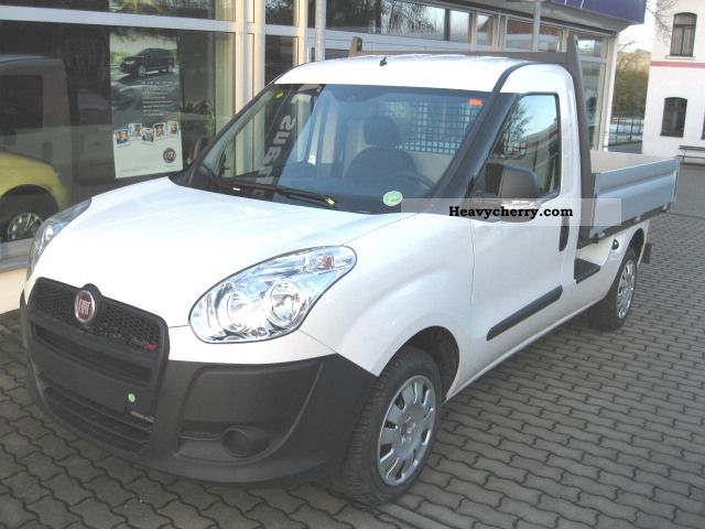 fiat doblo cargo maxi pick up 1 3 m jet work 2011 stake body truck photo and specs. Black Bedroom Furniture Sets. Home Design Ideas