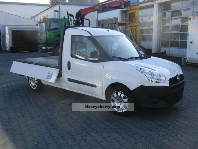 fiat fiat doblo cargo 263 maxi pickup up work 2011 stake body truck photo and specs. Black Bedroom Furniture Sets. Home Design Ideas