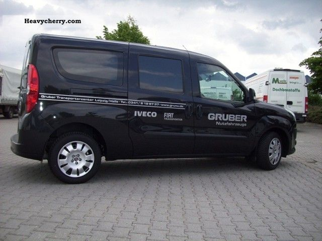 fiat doblo cargo combi maxi sx 2 0 multijet 2011 estate minibus up to 9 seats truck photo. Black Bedroom Furniture Sets. Home Design Ideas