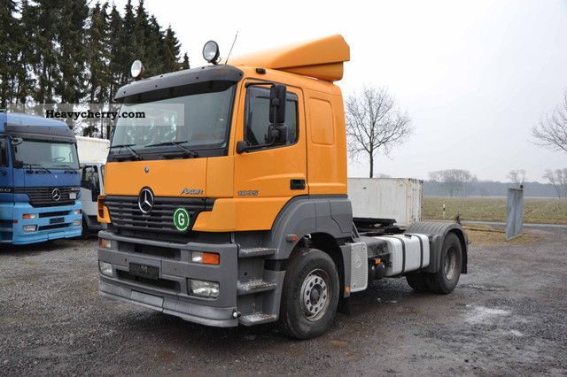 2002 Mercedes-Benz  Axor 1835 Semi-trailer truck Standard tractor/trailer unit photo