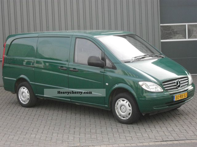mercedes benz vito 109 cdi 103000km 3 seater 2006 box type delivery van long photo and specs. Black Bedroom Furniture Sets. Home Design Ideas