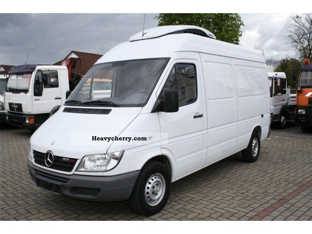 mercedes benz sprinter 313 cdi van with high roof cooling 2006 refrigerator box truck photo and. Black Bedroom Furniture Sets. Home Design Ideas