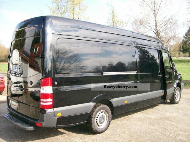 mercedes benz sprinter 316 cdi maxi 2010 box type delivery van high and long photo and specs. Black Bedroom Furniture Sets. Home Design Ideas