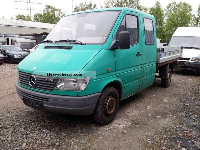 Mercedes benz 210 double cab pick 1998 stake body truck for Mercedes benz 210