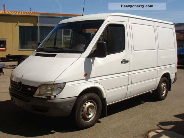 mercedes benz 213 cdi sprinter 2001 box type delivery van photo and specs. Black Bedroom Furniture Sets. Home Design Ideas