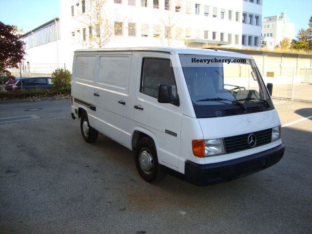 mercedes benz mb 100 d 1993 box type delivery van photo and specs. Black Bedroom Furniture Sets. Home Design Ideas