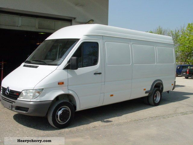 mercedes sprinter 413 cdi dimensions. Black Bedroom Furniture Sets. Home Design Ideas