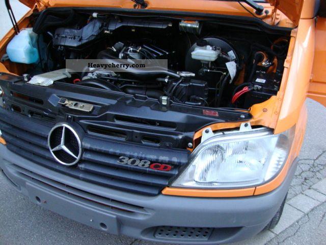 Mercedes Benz 308 Cdi Sprinter Long Diff Block Heater