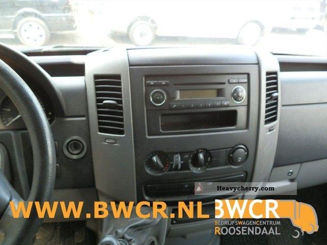 Mercedes benz sprinter 515 cdi 2008 box truck photo and specs for Mercedes benz sprinter 515 cdi specifications