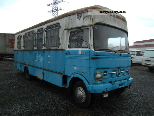 1973 Mercedes-Benz  608 D Van or truck up to 7.5t Box-type delivery van - high and long photo