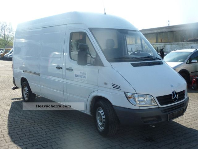 2004 Mercedes-Benz  Sprinter 211 CDI + High Long AHK Van or truck up to 7.5t Box-type delivery van - high and long photo
