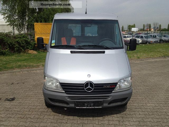 Mercedes benz sprinter 208 cdi truck 2 seater ahk 2000 for Mercedes benz 2 seater