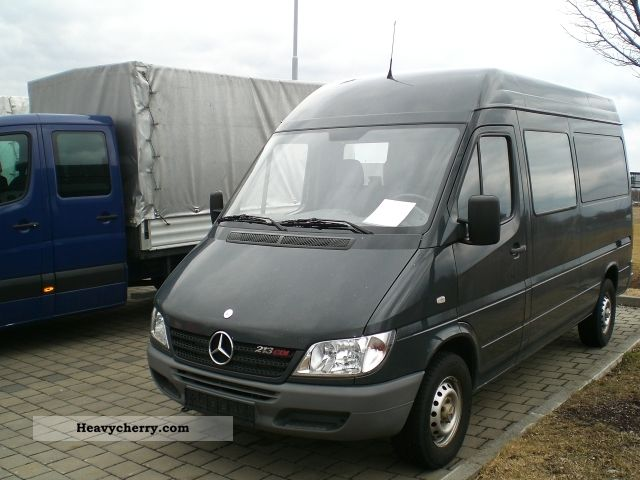 mercedes benz sprinter 213 cdi 2005 box type delivery van high photo and specs. Black Bedroom Furniture Sets. Home Design Ideas
