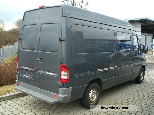 mercedes benz sprinter 213 cdi 2005 box type delivery van photo and specs. Black Bedroom Furniture Sets. Home Design Ideas