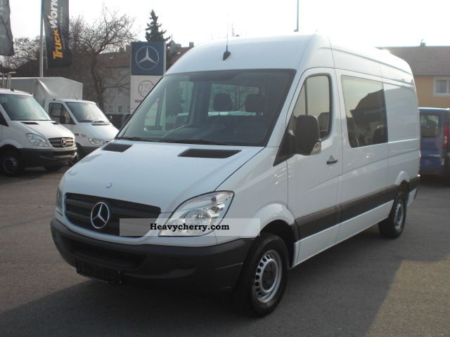 mercedes sprinter 211 cdi dimensions. Black Bedroom Furniture Sets. Home Design Ideas