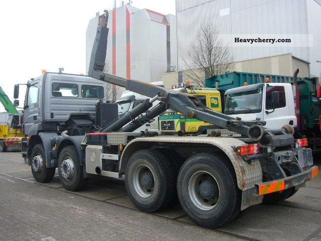 Mercedes benz 3240 2008 roll off tipper truck photo and specs for 2008 mercedes benz truck