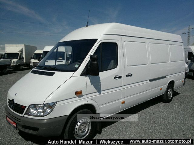 mercedes benz sprinter 311 cdi maxi air 2005 box type delivery van high and long photo and specs. Black Bedroom Furniture Sets. Home Design Ideas