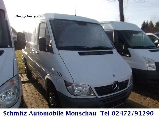 2003 Mercedes-Benz  208 CDI Spinter Van or truck up to 7.5t Box-type delivery van photo