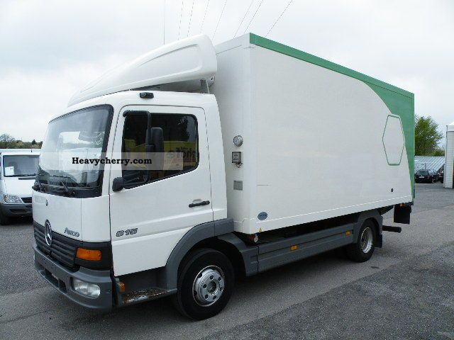 7e6032a452 2004 Mercedes-Benz Atego 815 refrigerated body with loading tailgate Van or  truck up to